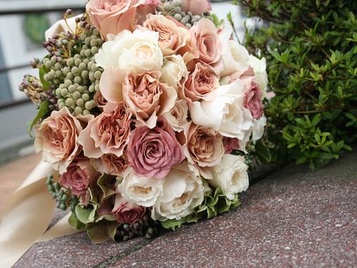 ウエディングブーケ、ブライダルブーケを中心としたウエディングフラワー中心のアトリエ bouquet