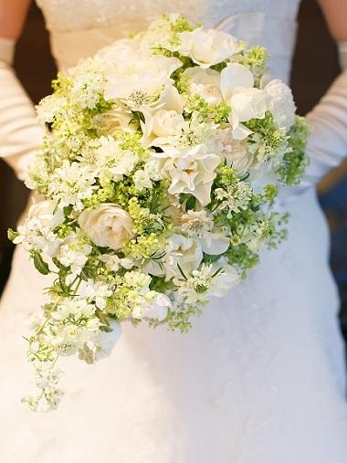 ウエディングブーケ、ブライダルブーケを中心としたウエディングフラワー中心のアトリエ white bouquet